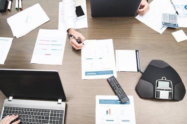 office-work-teamwork-calculator-computers