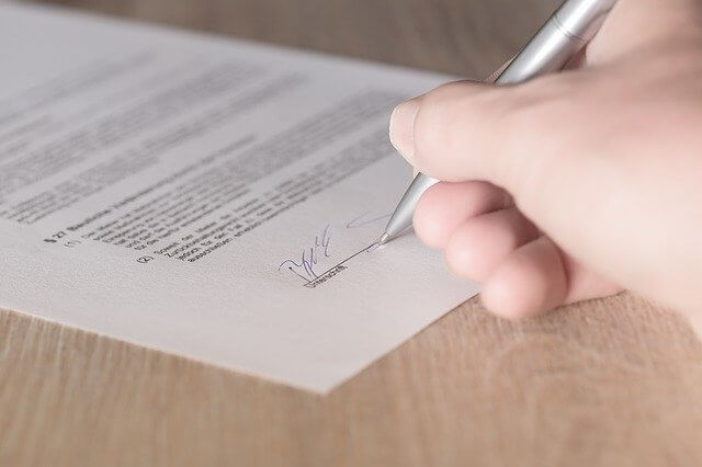 making a detailed lease agreement for your coconut creek property