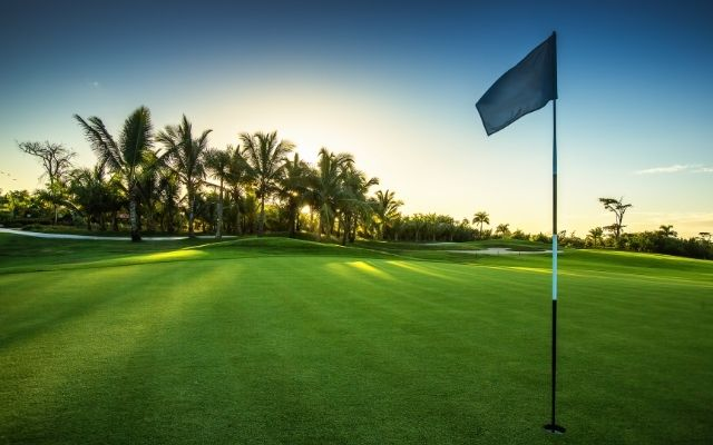 golf courses in the hollywood and hallandale beach area